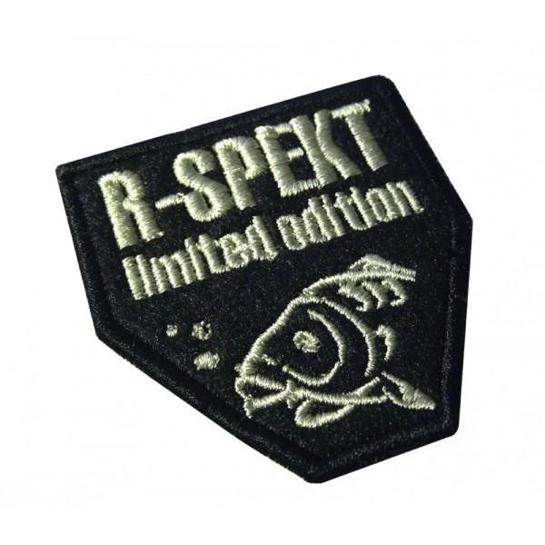 R-SPEKT Nášivka černá CARP